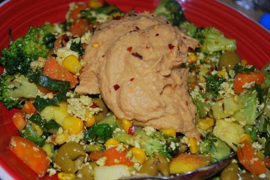 tofu scramble mit skinny hummus