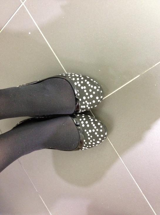 shoes dots