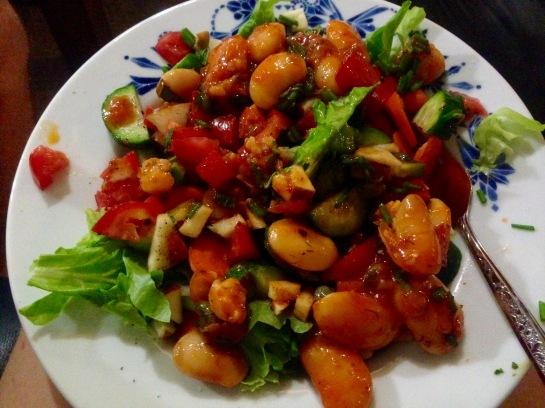 veganer Salat mit Bohnen
